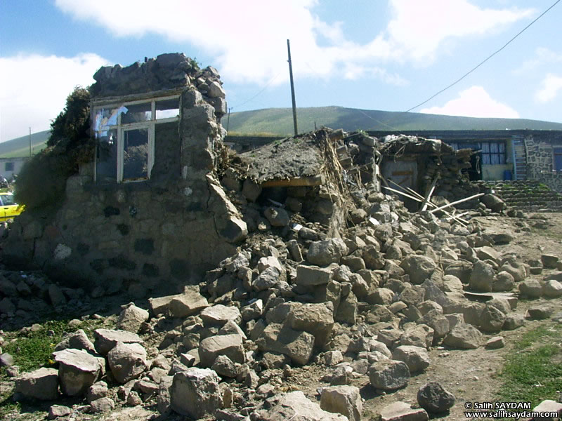Dogubeyazit Earthquake Photo Gallery 2 (Yalincalik Village) (Agri, Dogubeyazit)