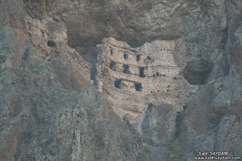 Alicin Canyon Photo Gallery 16 (Alicin Monastery) (Ankara, Kizilcahamam, Celtikci)