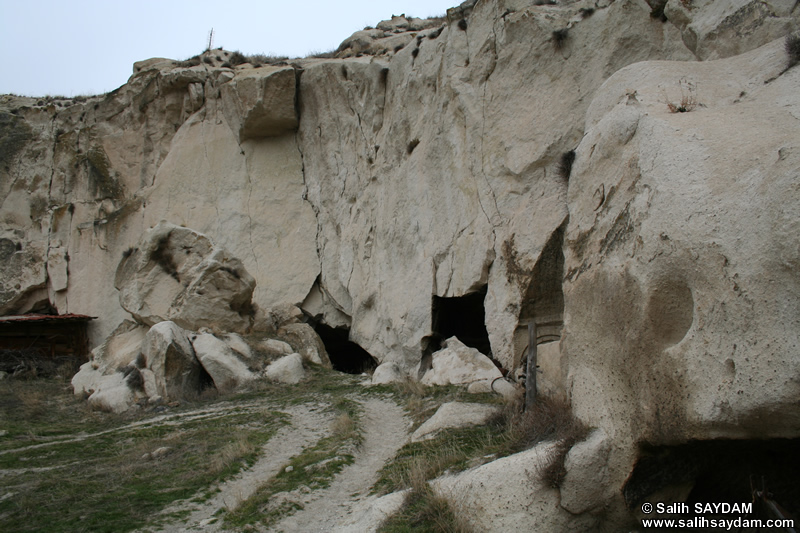 Mahkeme Agacin Village Photo Gallery 11 (Cave Churches) (Ankara, Kizilcahamam)