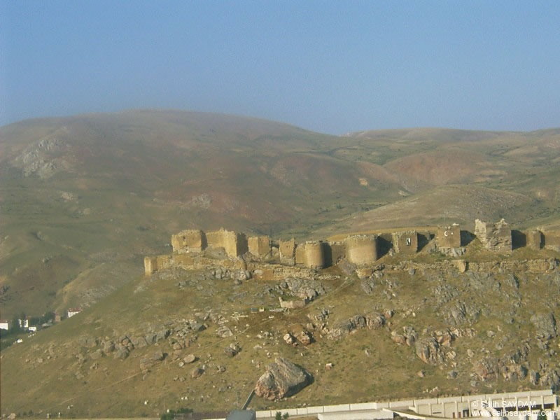 Castle of Bayburt Photo Gallery (Bayburt)