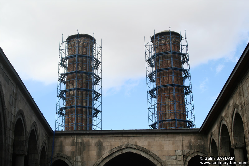 Cifte Minareli Medrese Photo Gallery 3 (Erzurum)