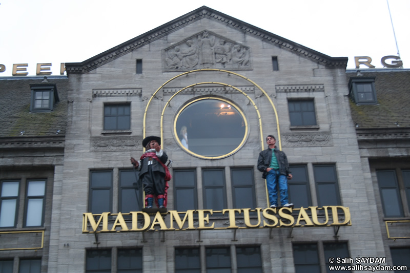 Madame Tussaud's Wax Museum and New Church (Nieuwe Kerk) Photo Gallery (Dam Square (de Dam), Amsterdam, Netherlands (Holland))
