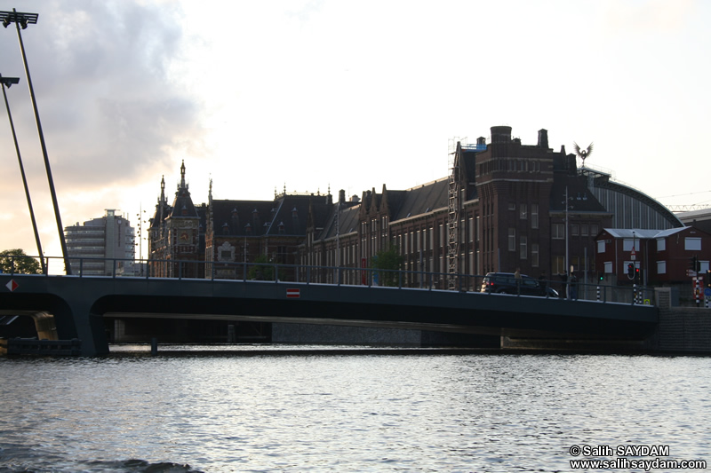 Amsterdam Central Train Station Photo Gallery (Amsterdam, Netherlands (Holland))