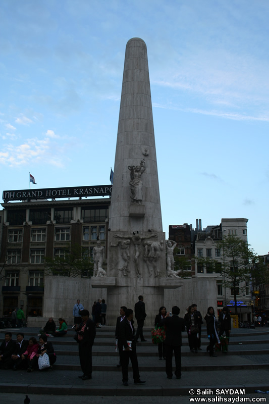 National Monument Photo Gallery (Dam Square (de Dam), Amsterdam, Netherlands (Holland))