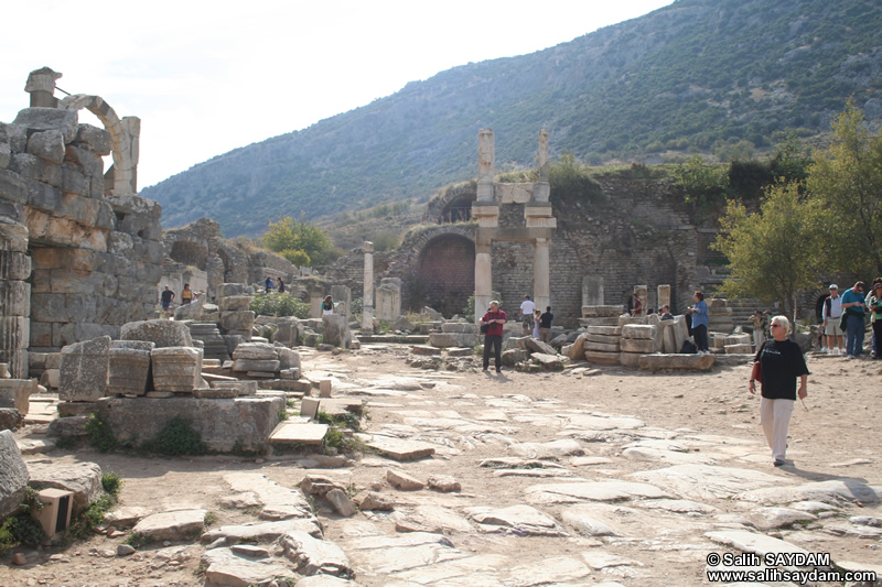 Ephesus Antique City Photo Gallery 13 (Temple of Domitian) (Selcuk, Izmir)