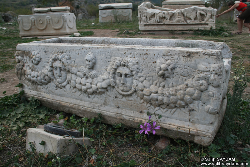 Ephesus Antique City Photo Gallery 19 (Tomb) (Selcuk, Izmir)
