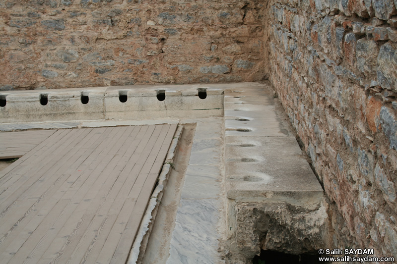 Ephesus Antique City Photo Gallery 22 (Latrine) (Selcuk, Izmir)