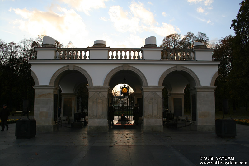 The Tomb of the Unknown Soldier (Gr�b Nieznanego Zolnierza) Photo Gallery (Warsaw, Poland)